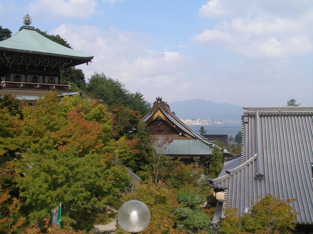 http://sapporista.com/images/itsukushima14.jpg